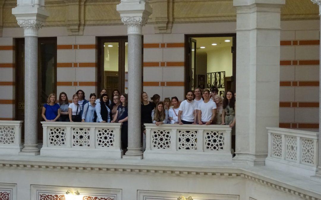Med Globale Gymnasier i Bosnien