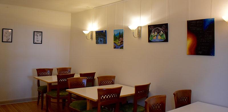 Elever udstiller kunst på Bispegården